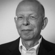 Dr. Rafael Seligmann