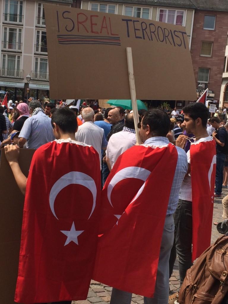 Graue Wölfe auf Anti-Israel-Demonstration in Frankfurt: Islamistische Radikale gewinnen Gefolgsleute in Deutschland
