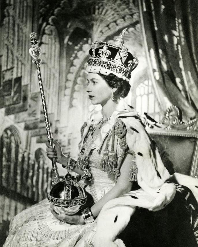 Als Europa noch jung war: Das offizielle Krönungsbild von Königin Elisabeth II. London 1954 - Ort und Jahr des legendären Schuldenabkommens. Lehrstück für die Griechenland-Rettung? Ein Teilnehmer erinnert sich.