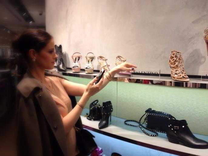"""Modeblogger: Nur Hobby oder ernsthafte journalistische Tätigkeit? Hinter Blogs steckt oft jahrelange harte Arbeit - im Bild: Mehrnaz vom Luxus-, Mode- und Lifestyle-Blog """"Shoplemonde"""""""