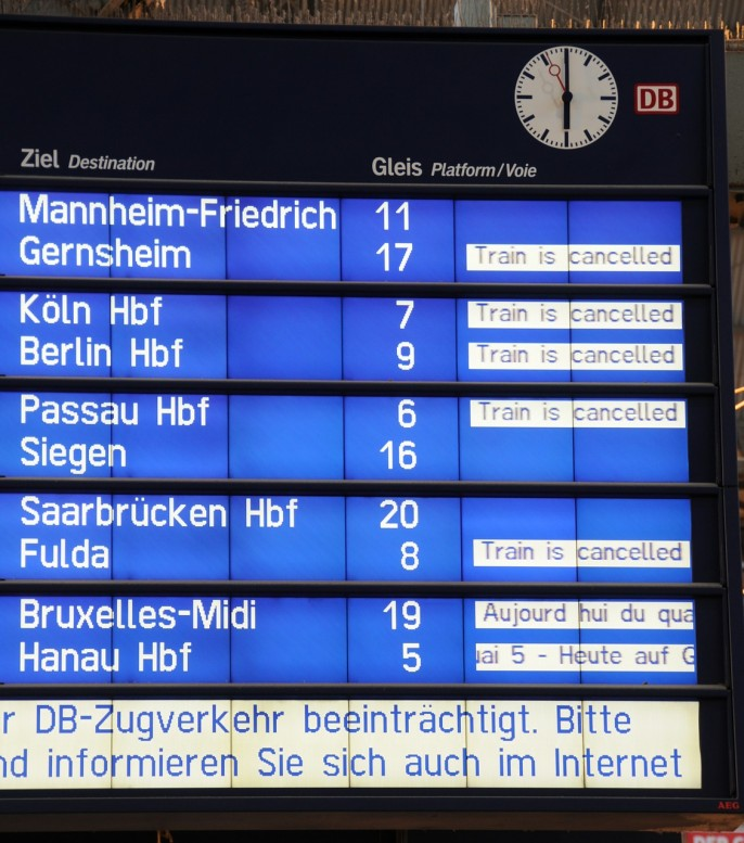 deutsche-bahn-494624_1280