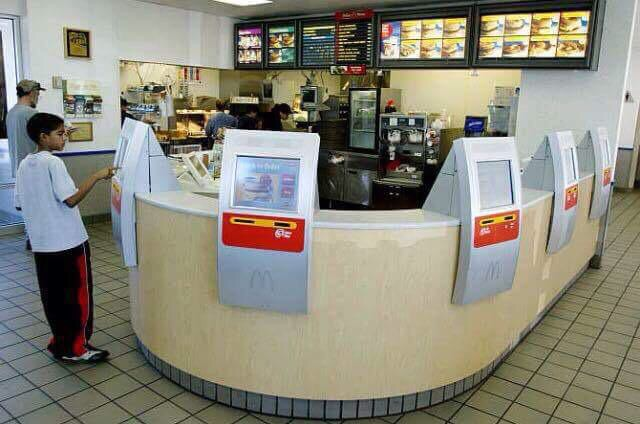 Kollege Bestellautomat: Minijob-Killer bei McDonalds