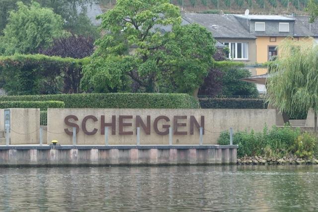 Schengen - die Freizügigkeit in Europa verhangen im Nebel: Grenzkontrollen und europäisches Flüchtlingsabkommen sind das Thema des deutschen wie europäischen  Herbstes.