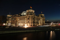 Bundestag verlängert Corona-Grundrechtseinschränkungen – unabhängig von epidemischer Lage