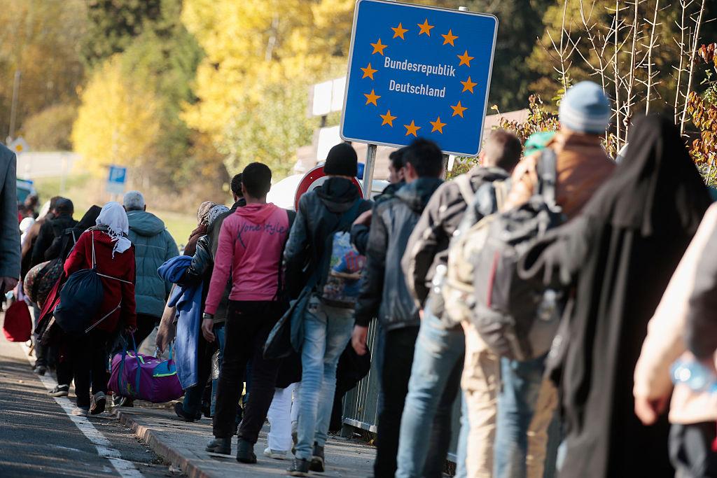 Flüchtlingskrise: Bis April kamen mehr Flüchtlinge als im ganzen Jahr 2014 - Tichys Einblick