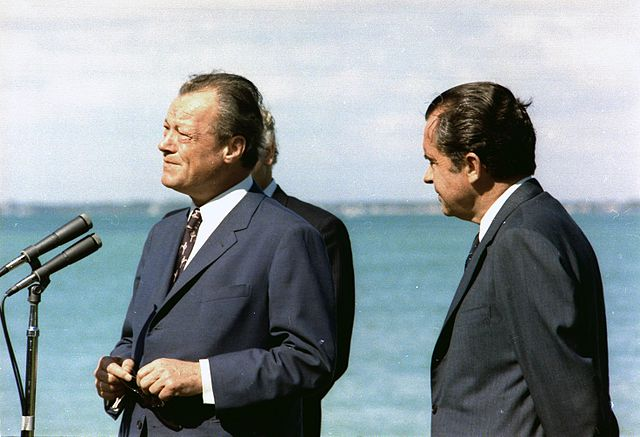 willy-brandt-und-richard-nixon_1-588x398