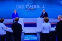 Merkel & Merkel mit Bart plauderte mit Merkel-TV