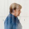 Merkel allein zuhaus'