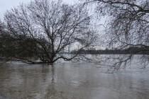 Hoch-Wasser: Flüsse und Bäche lassen sich nicht einsperren