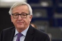 Juncker spielt über Bande und Ökonomen fallen um