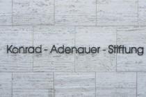 Konrad-Adenauer-Stiftung (KAS) löst Unverständnis und Empörung zum 13. August aus