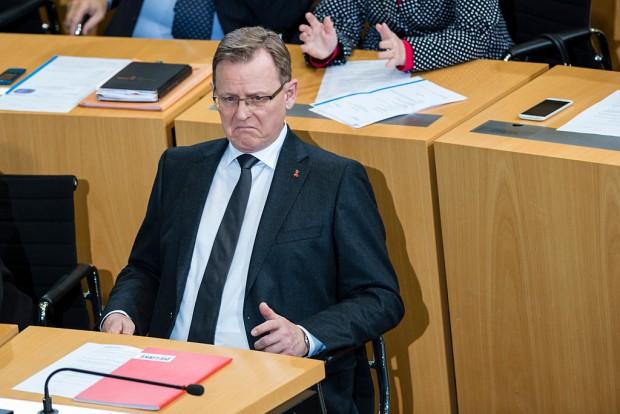 Sprengstoff-Fund: Innenminister wehrt sich gegen Vorwürfe