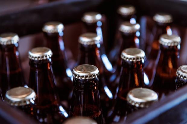 Deutsches Bier und arabische Fahnen