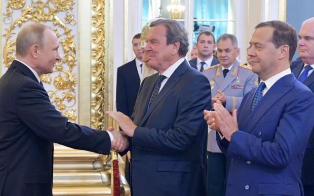 Putin-Freund Schröder schadet der Demokratie – und sich