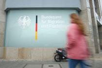 Erster Dominostein – Seehofer: Aus für Asylentscheidungen in Bremen