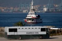 Hohe Strafe gegen NGO angedroht: Spaniens Sozialdemokraten-Regierung ist strenger als Italien