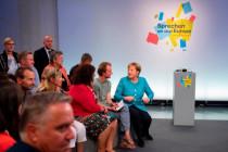 Angela Merkel beim Bürgerdialog in Jena