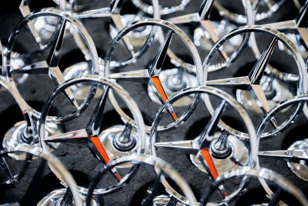 Daimler mit Verlust, Facebook mit Fünf-Milliarden-Strafe