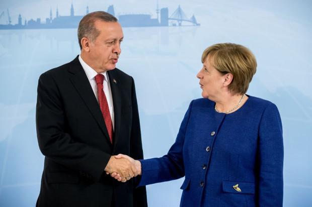 Gegen Erdogan lässt Merkel nicht demonstrieren
