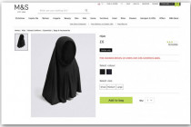Protest gegen Marks & Spencer für Verkauf von Hijabs für Mädchen unter neun Jahren