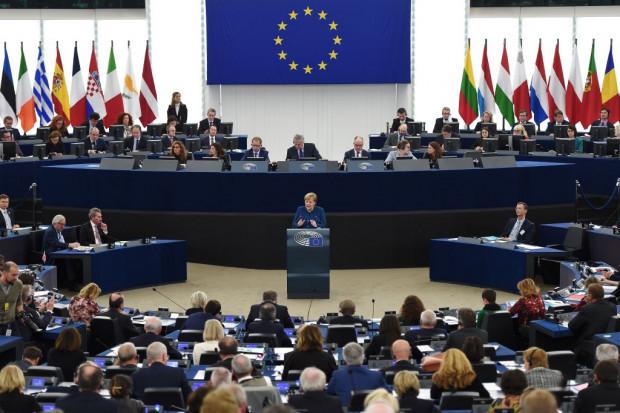 """Merkels """"Vision"""" einer """"echten europäischen Armee"""""""