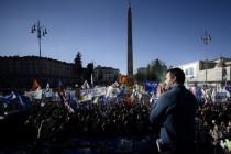 Italien: Nach einem halbem Jahr Regierung Salvini vor zehntausenden Anhängern in Rom
