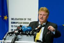 Kopfgeldjäger Elmar Brok: Für ein paar Euro mehr …