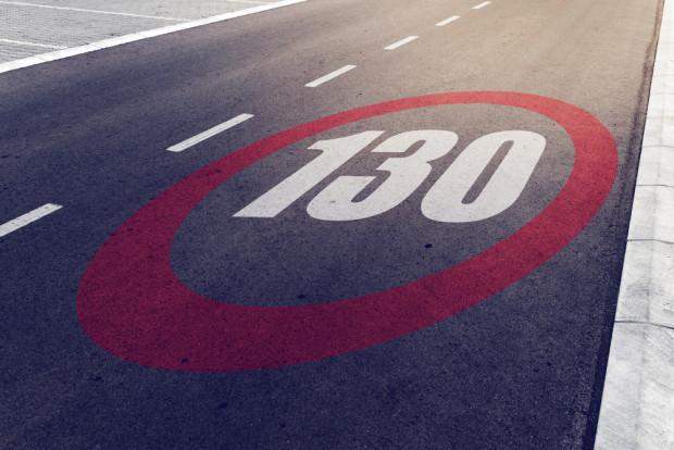 Evangelische Kirche ganz weltlich für Tempo 130