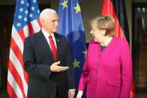 Merkel und Pence in München: Alte und Neue Welt