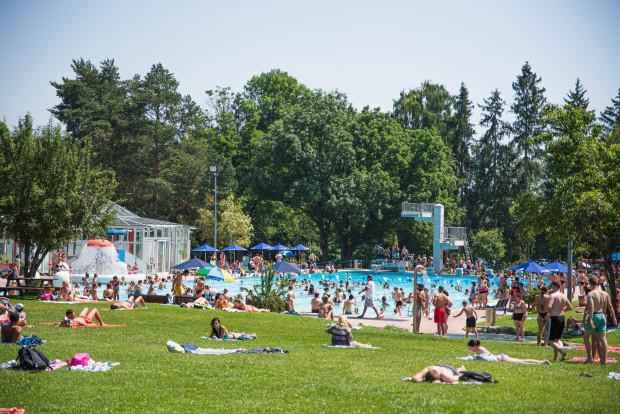 Schlägerei im Schwimmbad: Polizei kann ohne Dolmetscher keine Befragung vornehmen