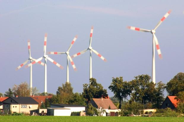 Mit Infraschall machen Windkraftanlagen krank
