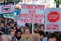 Klima-Demos: Globale Inszenierung gegen die Industriegesellschaft