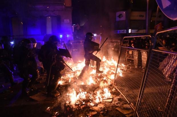 Spaniens Regierung kommt ins Schwitzen