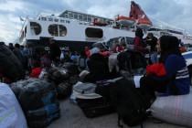 Horst Seehofer entsendet 55 LKW voller Hilfsgüter zum Startpunkt der Balkanroute