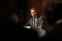 EU-Kommissar Oettinger: »Der Chinese duscht kürzer und kälter«