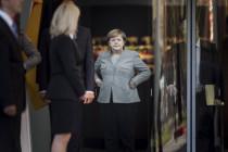 Merkel im Kanzleramt als Feldherrnhügel der Hypermoral