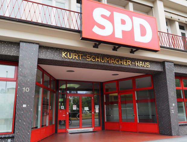 Steuer-Affäre und Parteispenden: SPD in großer Bedrängnis