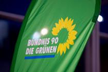 Berliner Grünen-Politiker rechtfertigt Gewalt – Migrationsrat steht hinter ihm