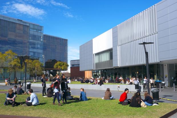 Höhere Studiengebühren für Studenten der Diskussionswissenschaften