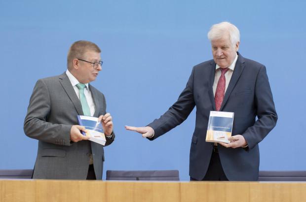 Verfassungsschutzbericht 2019: Instrumentalisierter denn je