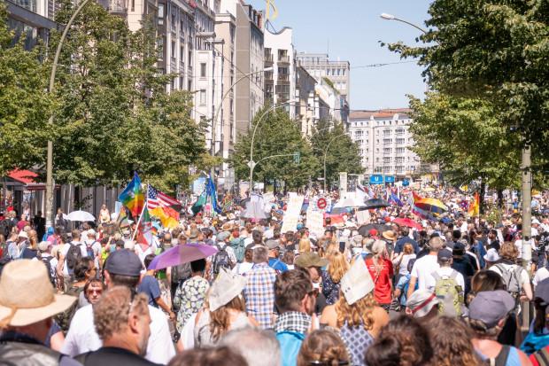 """""""Eine Bürger-Demo in Berlin"""" und eine aggressiv agierende Polizei"""