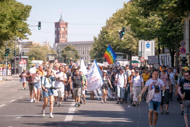 Die Botschaft der Berlin-Demonstration: Ihr seid nicht Erzieher der Bürger