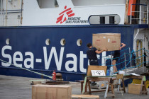 """Italienische Küstenwache begründet Festsetzung der """"Sea-Watch 4"""""""