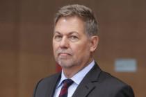 AKKs politisch korrektes Bauernopfer: MAD-Chef Christof Gramm muss gehen