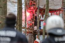 Dannenröder Forst: Versuchte ein Umweltaktivist zwei Polizisten zu töten?