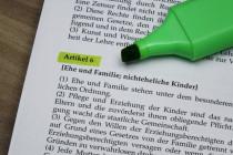 """""""Kinderrechte"""" im Grundgesetz? Die Änderung sollte unterbleiben"""