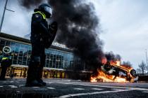 Corona verwandelt das Land der Toleranz in einen Polizeistaat