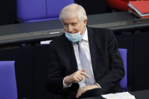 Wie Horst Seehofer die Öffentlichkeit in der Corona-Politik manipuliert