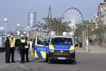 """In Düsseldorfs Verweilverbotszone: """"Die machen sich komplett lächerlich"""""""