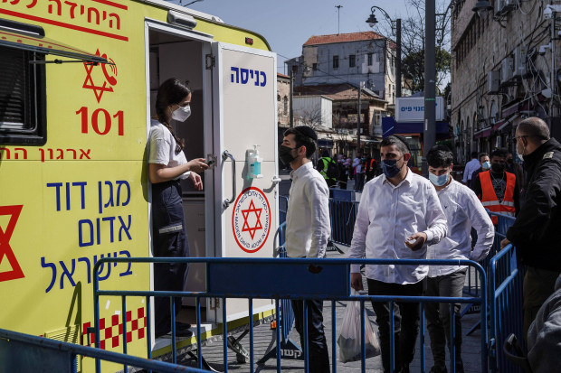 Sogar Gaza impft, während München und Stuttgart vertrösten